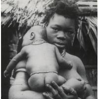 A.E.F. Femme Fang et son enfant