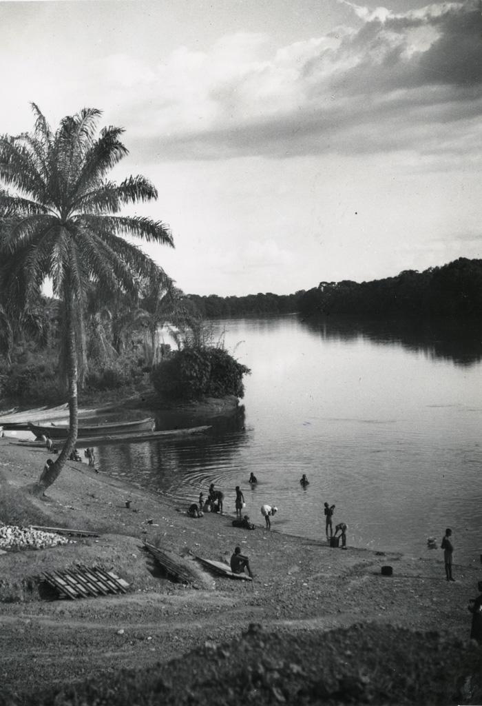A.E.F. Le débarcadère sur la N'Gounié