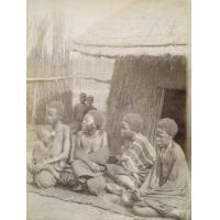 A Lealuyi, quatre femmes de Mathaga