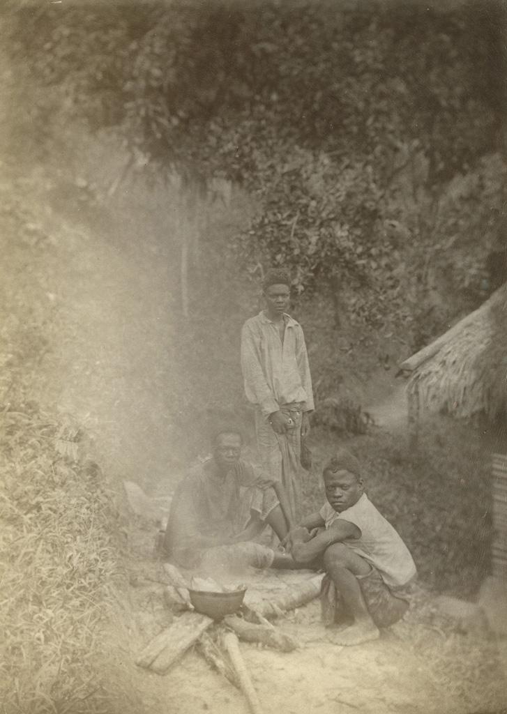 Adoumas cuisinant / non identifié (1890/1900)