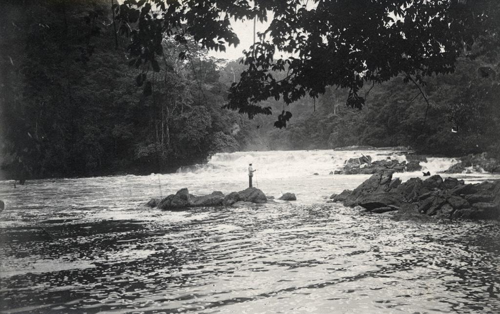 Affluent de l'Ogooué / non identifié (1920/1940)