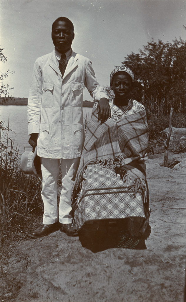 Alfred et Debora, couple chrétien marié le 21 novembre. Alfred est instituteur à Sefula.