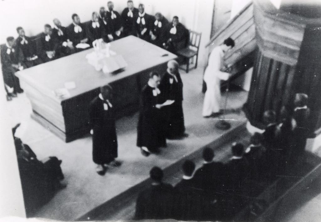 Allocution de M. Farelly pour l'inauguration de l'Eglise du Centenaire à Douala / non identifié (1930/1950)