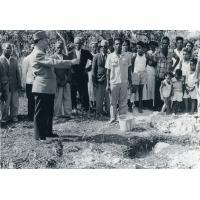 Allocution de monsieur Bonzon, le directeur de la SMEP, pour la pose de la première pierre de l'Ecole de Wakone