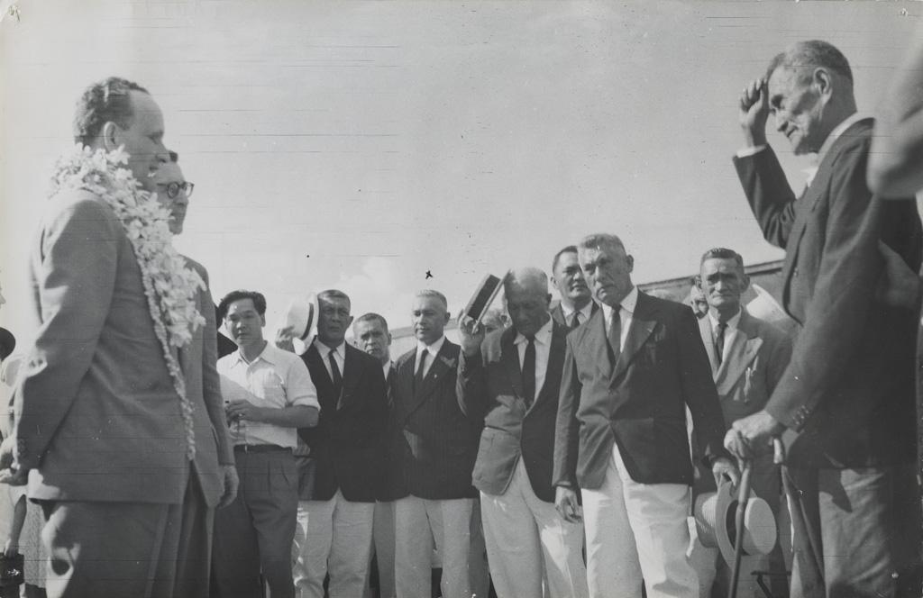 Allocution du diacre Teura à l'arrivée de Monsieur Bonzon à Papeete / Joseph Atem (29/06/56)