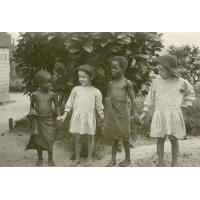 Amitié franco-africaine, Henri et André Pelot et deux amis noirs