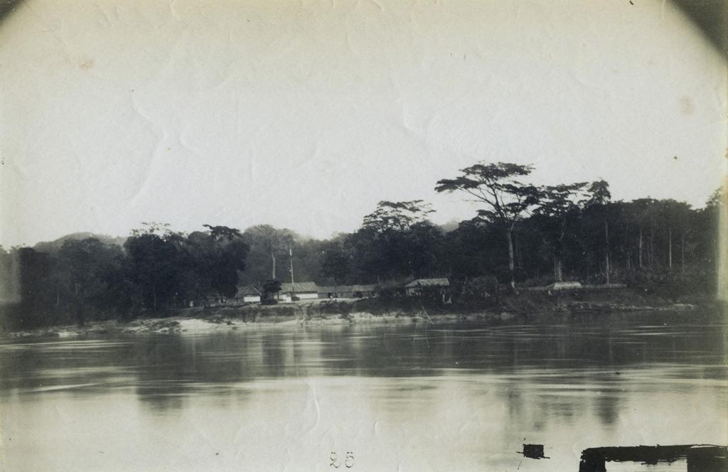 Ancien poste sur l'île de N'Djolé