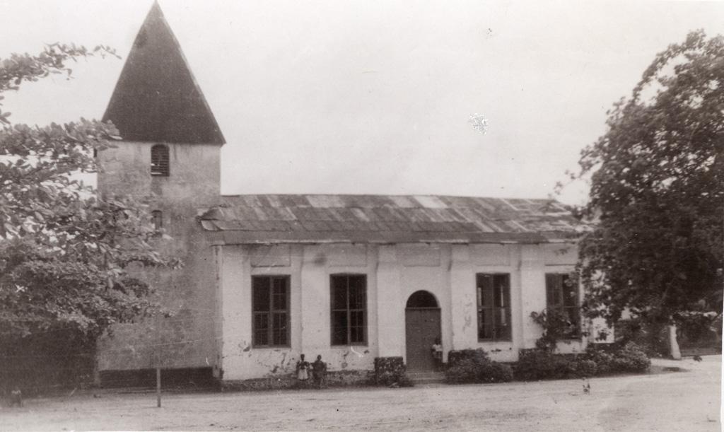 Ancienne Eglise Saker à Douala / Collet (1940/1960)