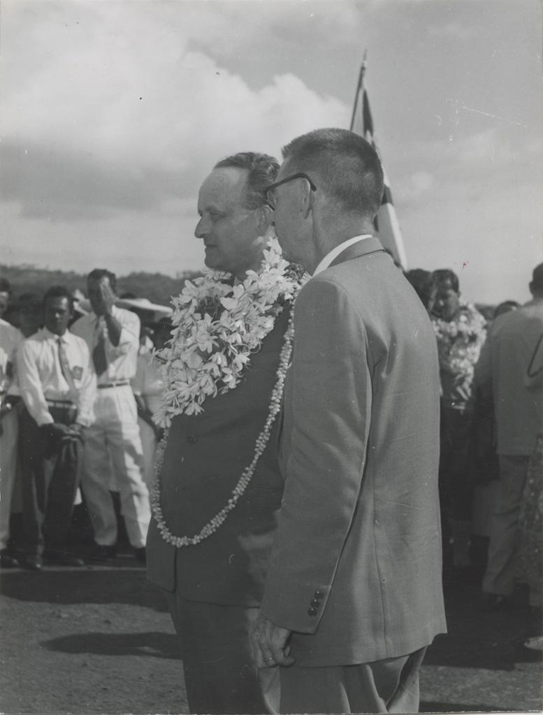 Arrivée de Monsieur Bonzon à Papeete le 29 juin 1956