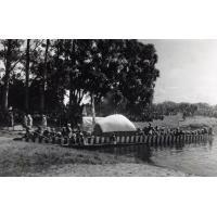 Arrivée de la barque royale (Nalikwanda) au débarcadère
