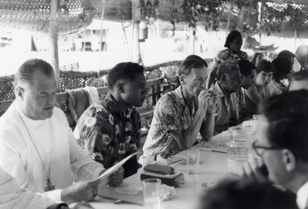 Assemblée des Eglises du Pacifique à Chepenehe, 1966 : dans la salle à manger / non identifié (1966-05-25/1966-06-07)