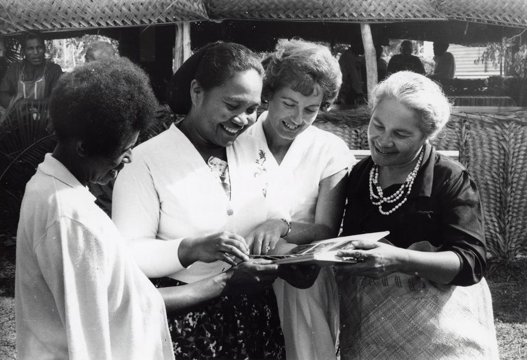 Assemblée des Eglises du Pacifique à Chepenehe, 1966 : les représentantes des Nouvelles-Hébrides, des Iles Gilbert, des Iles Marshall et des Iles Tonga