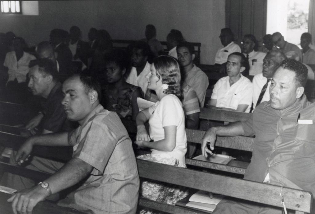 Assemblée des Eglises du Pacifique à Chepenehe, 1966 : une partie de la délégation française et la traductrice