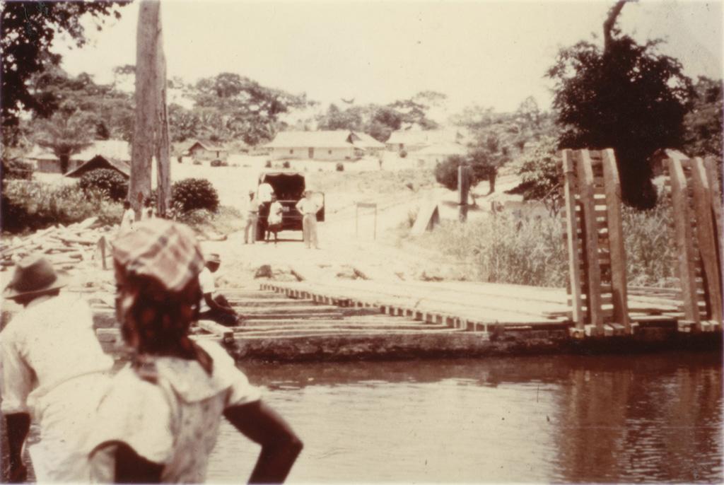 Bac de village