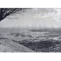 Baie de Port-Louis, capitale, centre de l'industrie et du commerce