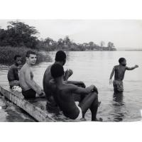Baignade dans le fleuve Ogooué