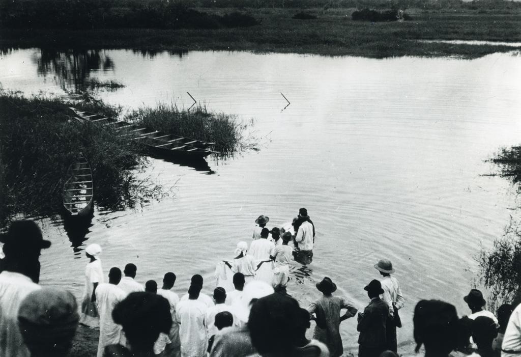 Baptême dans les eaux du Wouri