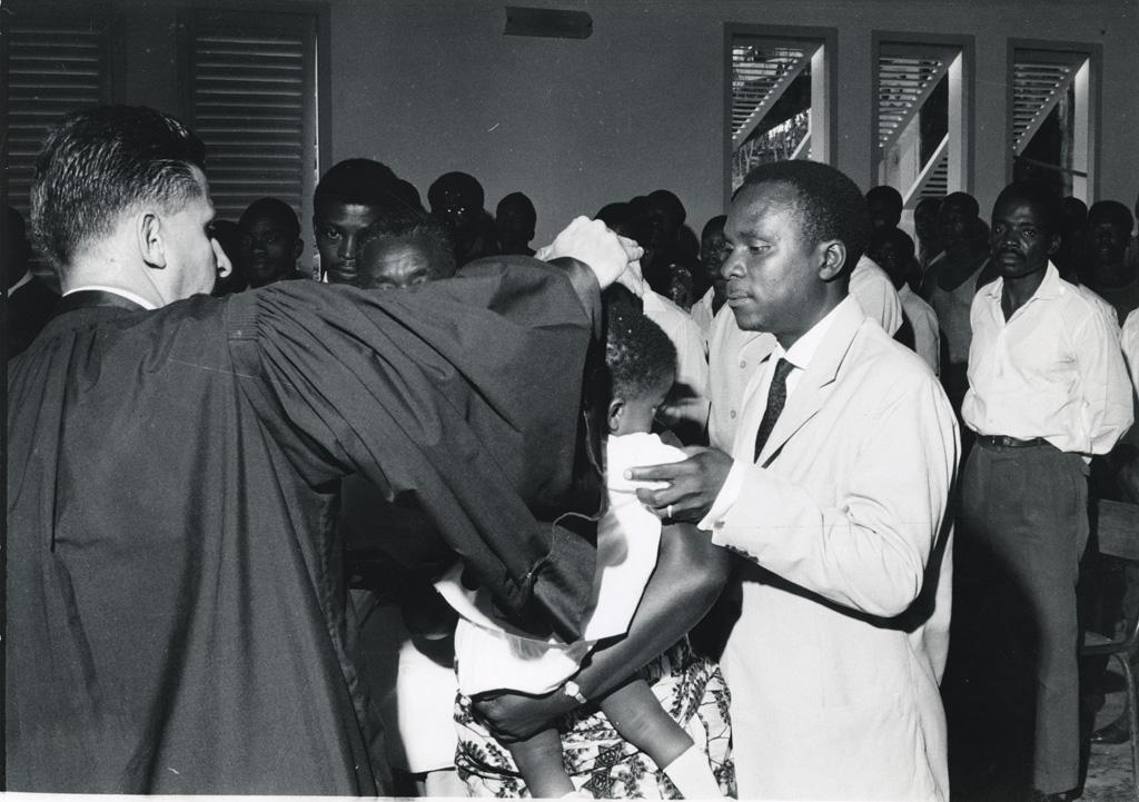 Baptême par le pasteur Lauverjat / John Taylor (1960/1965)