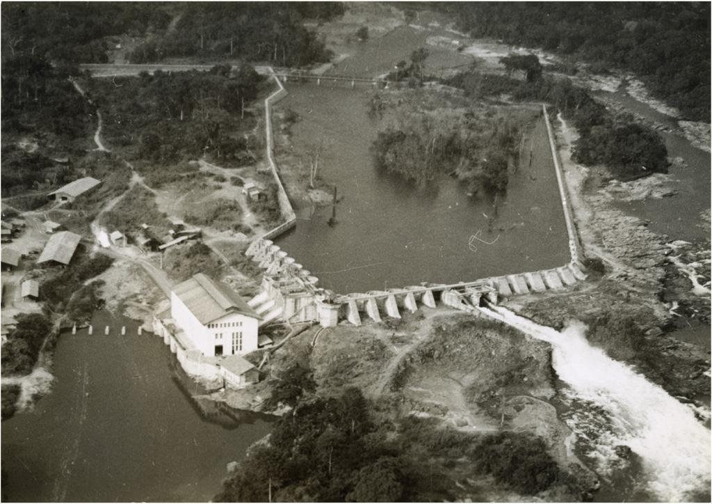Barrage et usine électrique d'Edea