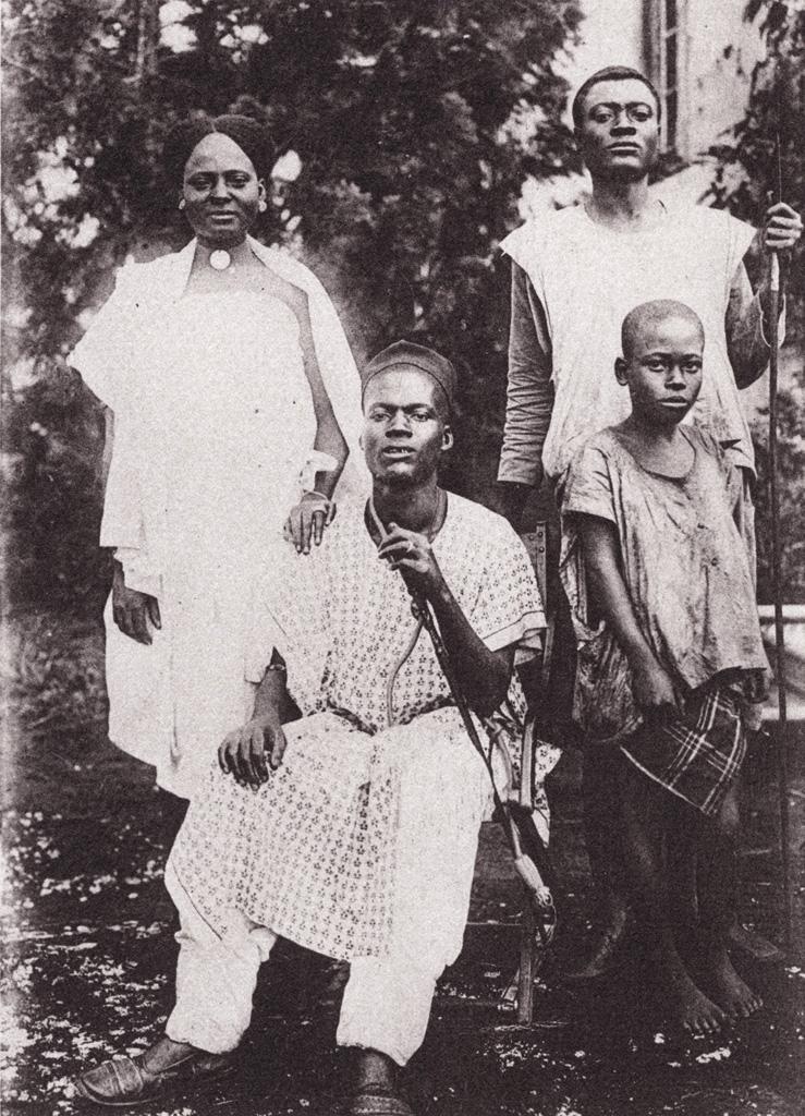 Cameroun, Chef Bamoun et sa famille / Anna Wuhrmann (1910/1930)