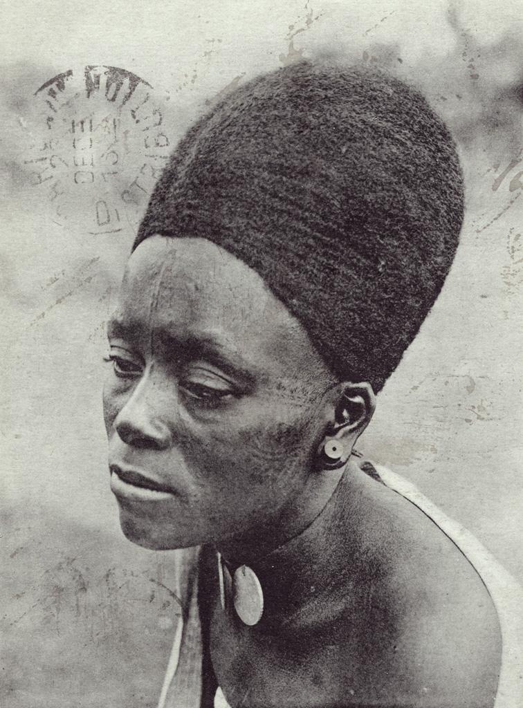Cameroun, Chrétienne de Foumban / Anna Wuhrmann (1911/1915)