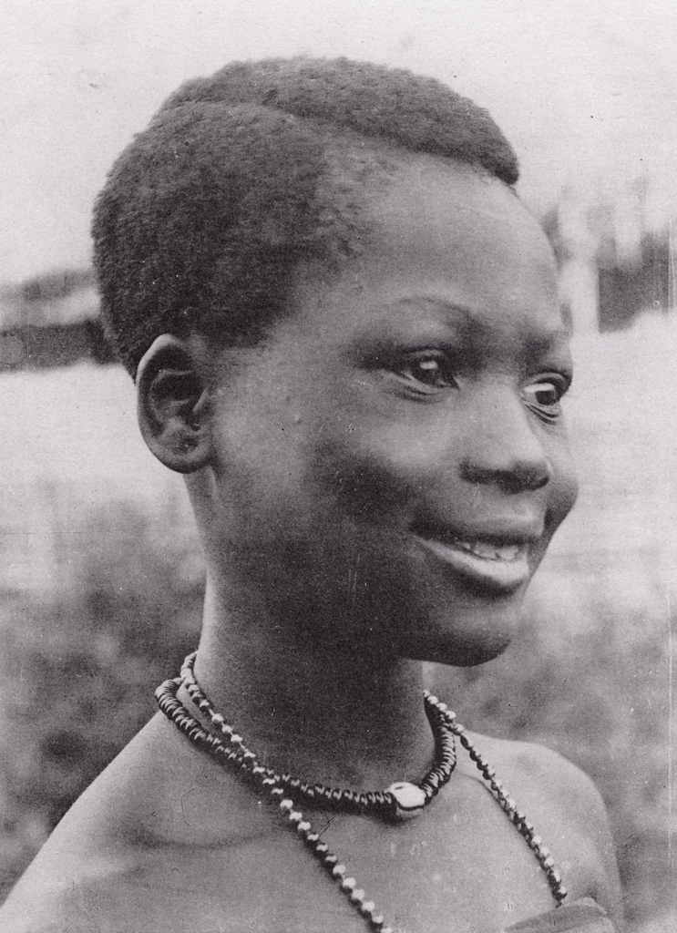 Cameroun, Jeune fille de Foumban