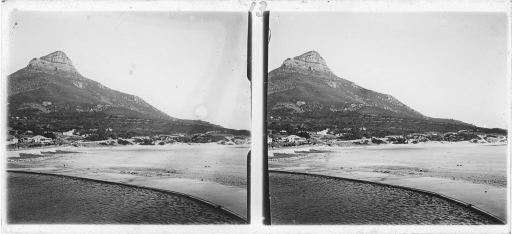 """Camp's bay, le pic rocheux de la """"Tête du lion"""""""
