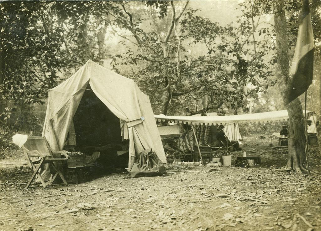 Campement de pêche au lac Aban