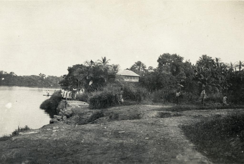Case de la SAIO habitée par Madame et Monsieur Cavillier / non identifié (1930)