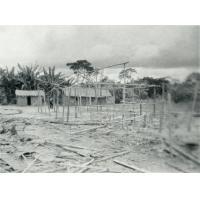 Case en construction au Gabon