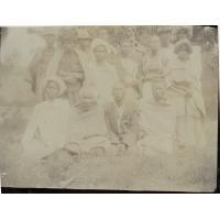 Catéchumènes, une femme, retenue par ses maîtres, des Boers des environs, manque à l'appel