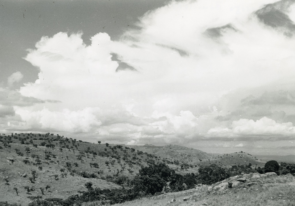 Collines de Bangwa, pays Bamiléké / Pierre Waller (1940/1960)