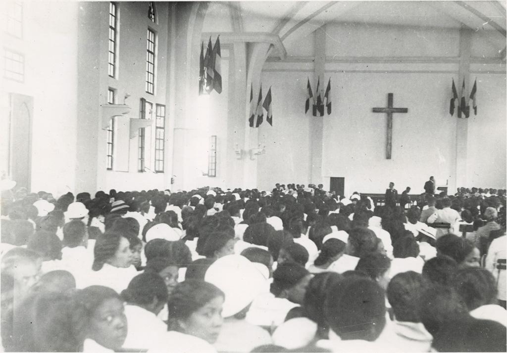 Consécration de six évangélistes, l'auditoire