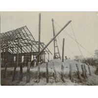 Construction de l'Eglise de Lukona : Charpente