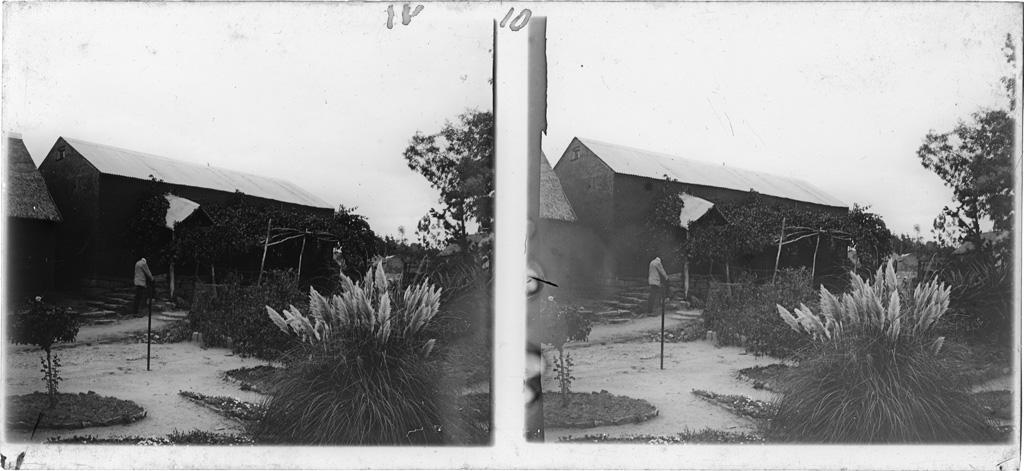 Construction où a débuté le dépôt de livres avec M. Mabille (Victor Ellenberger)