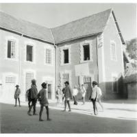 Cour de l'école de garçons d'Ambohijatova