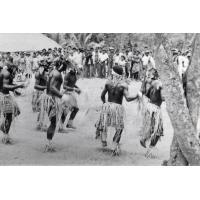[Danse traditionnelle]