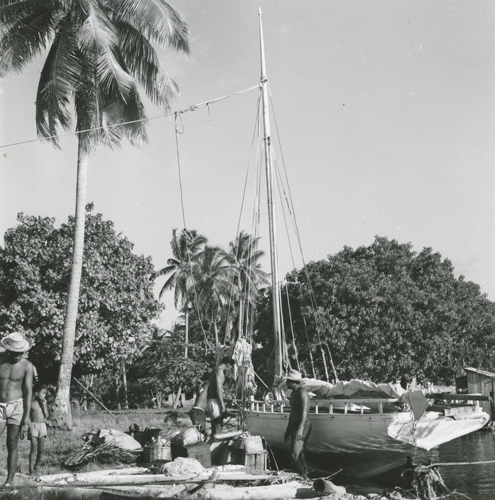 Déchargement de marchandises d'un bateau