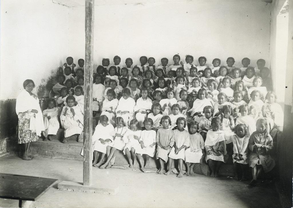 Ecole Benjamin Escande, groupe d'élèves
