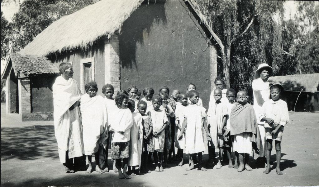 Ecole de Manankavaly : élèves et instituteurs