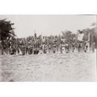 Ecole de filles de Lukona : les élèves sont allées chercher une certaine espèce de paille dont on fait des nattes imperméables