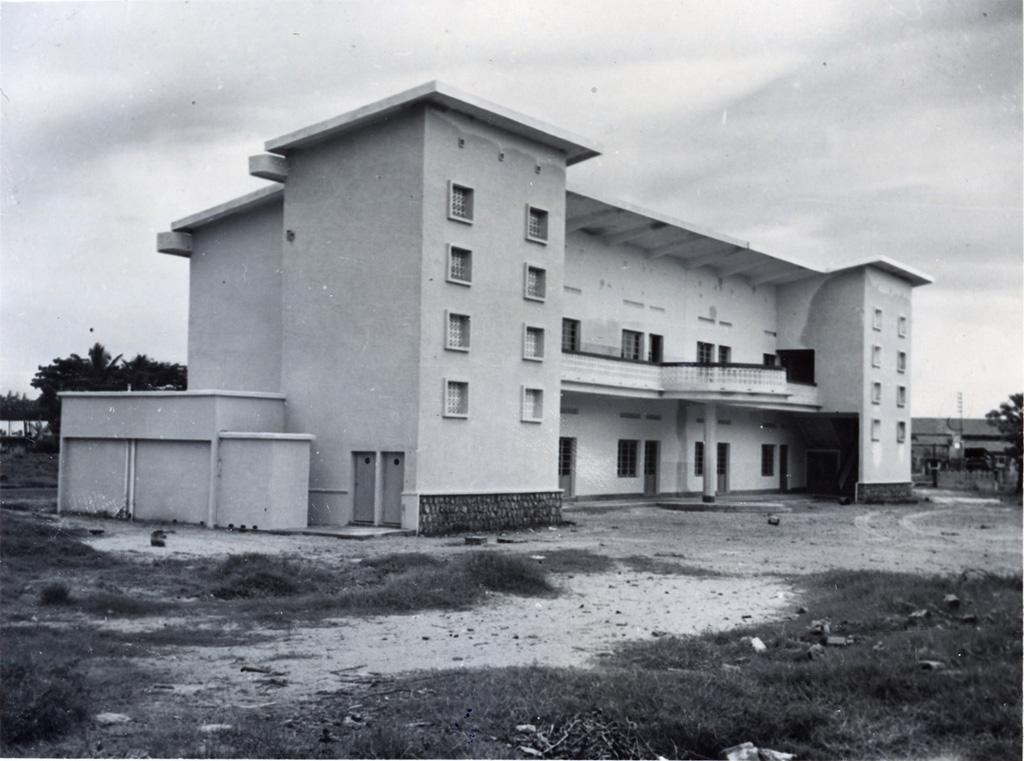 Ecole de filles inaugurée le 25 mars 1956