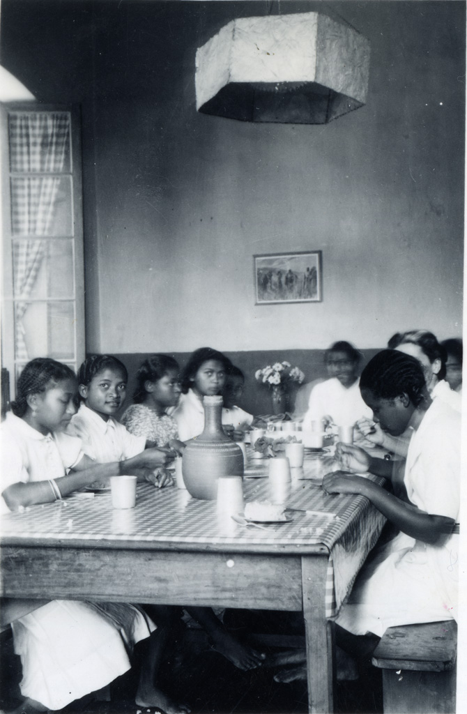 Ecole ménagère, le repas