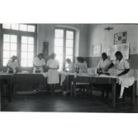 Ecole ménagère, repassage