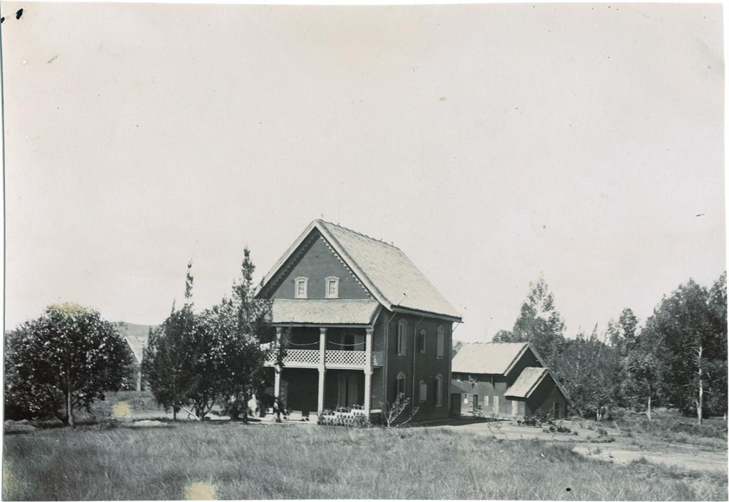Ecole pastorale, maison du directeur, cuisine et dépendances