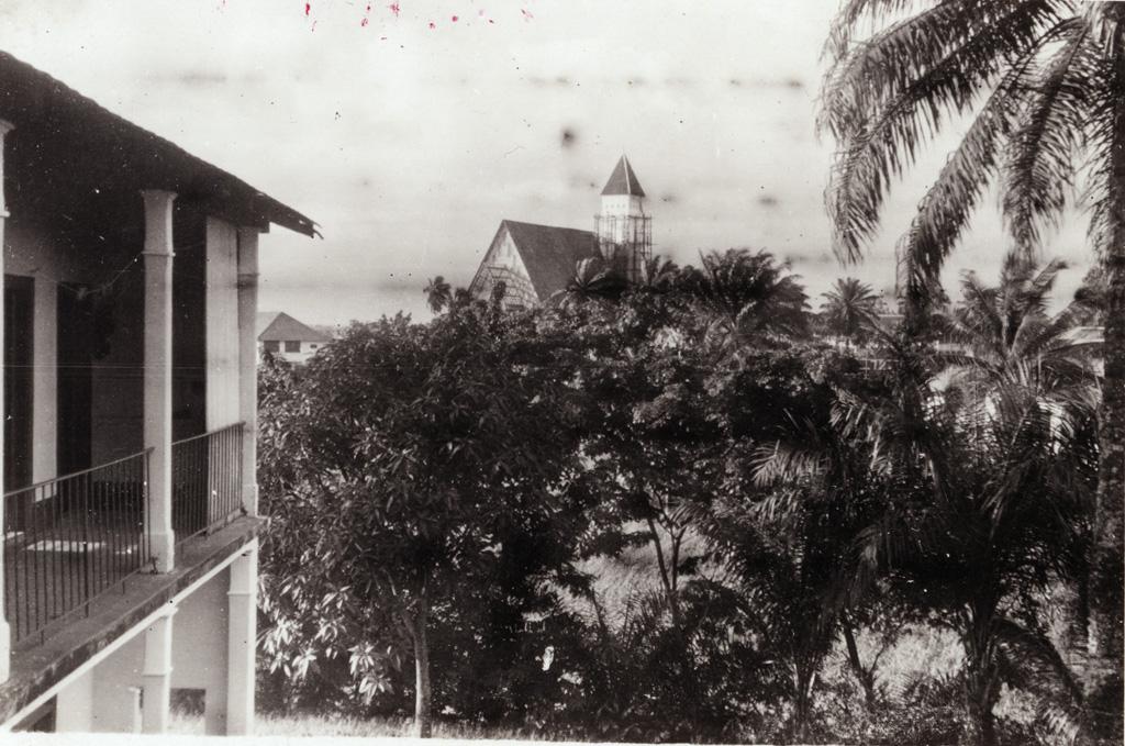 [Eglise du Centenaire à Douala]