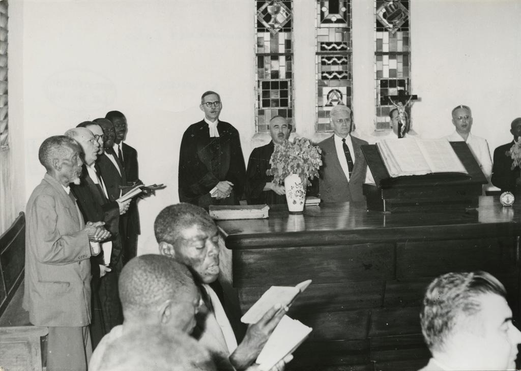 Eglise du Centenaire de Douala / non identifié (1957-03)