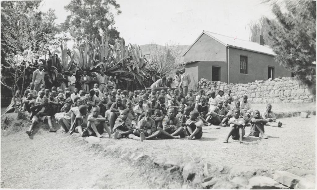 Elèves d'une école missionnaire