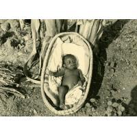 Emmanuel, orphelin de mère, dès la naissance