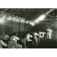 En classe à Ngomo